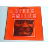 VINYLE miles davis quintet miles smiles CBS 62933